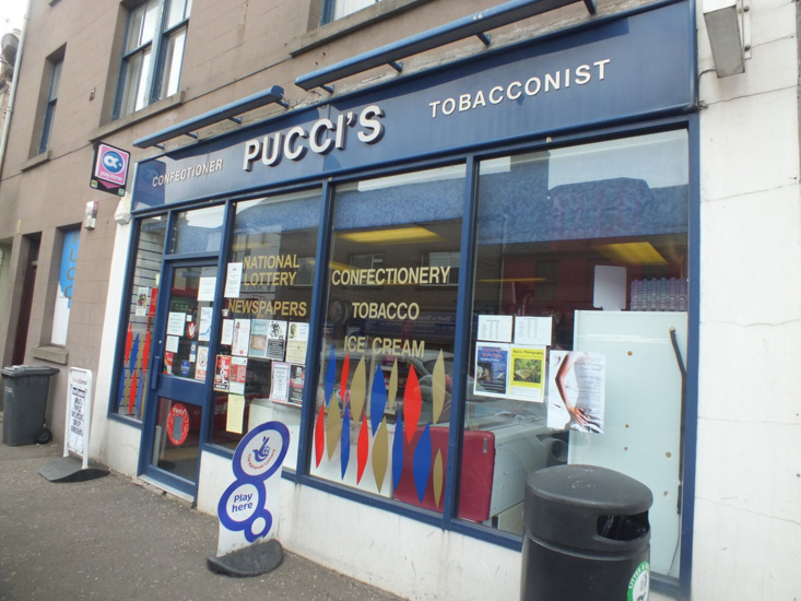 puccis_store_1